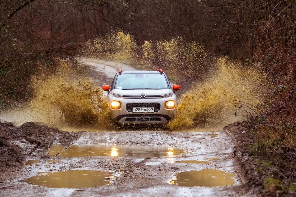 Ситроен C3 Эйркросс + Grip Control штурмует грязь